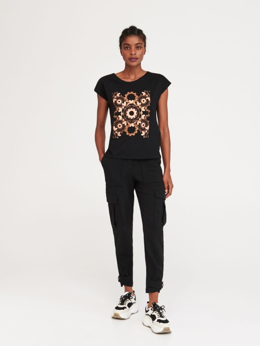 Buy online! Printed T-shirt, RESERVED, WC327-99X