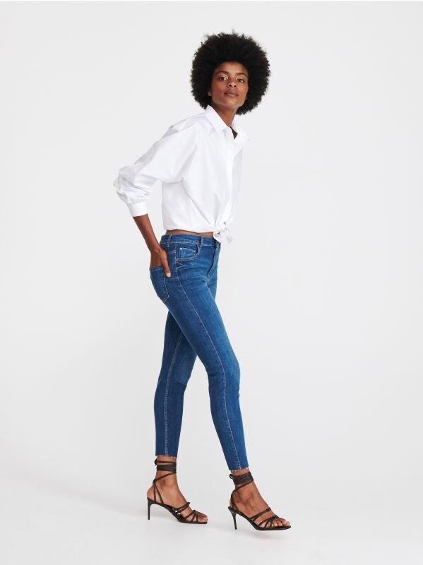 88671859749872 Boyfriend Slim Jeanshose · Slim-Jeans mit mittlerer Leibhöhe - blau -  WK936-55J - RESERVED