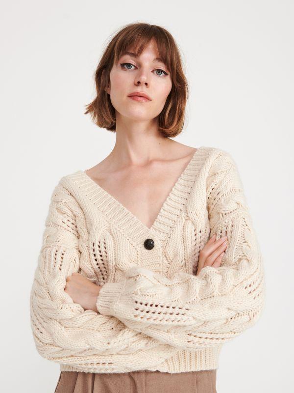 8fce856f85d915 Sweter z półgolfem · Sweter z ozdobnym splotem - kość słoniowa - XF980-02X  - RESERVED